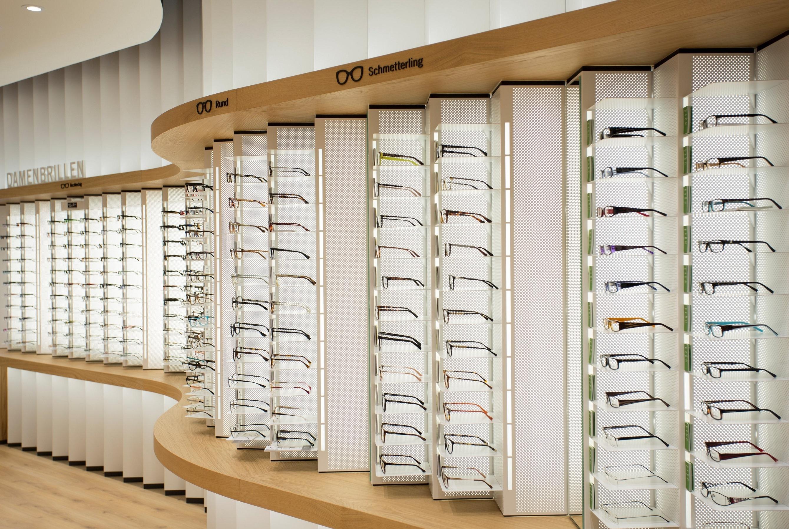 Brillenauswahl im Mister Spex-Store Berlin