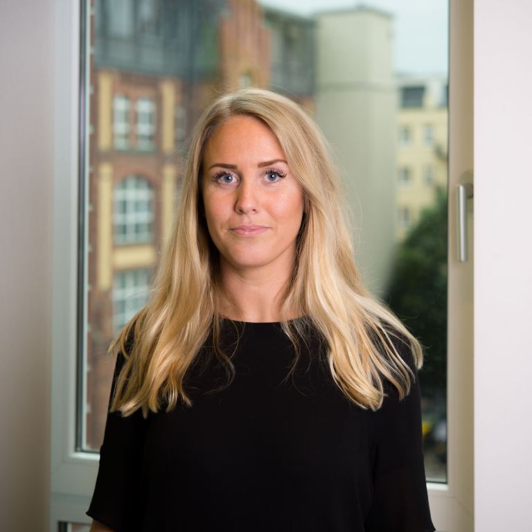 Caroline Carlsson (Inköpare & Social Media Marketing Coordinator)