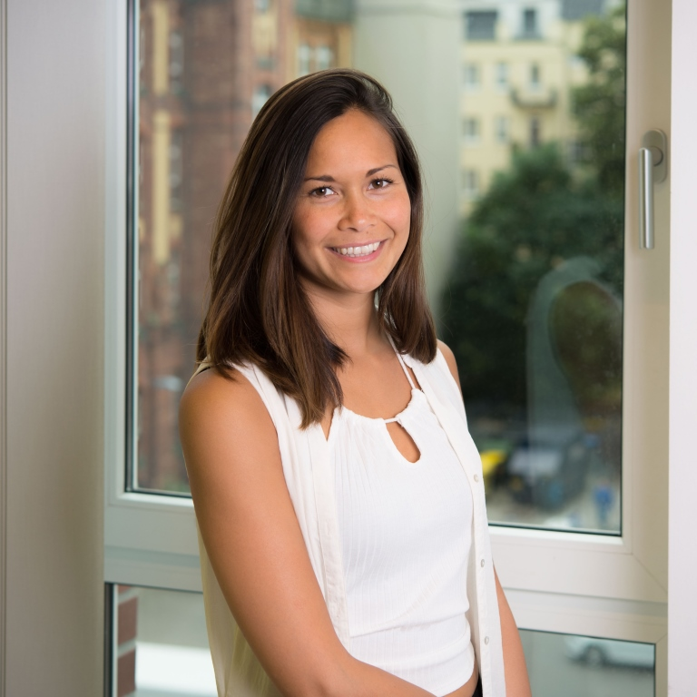 Emma Layco (markedsføring, CRM-ansvarlig)