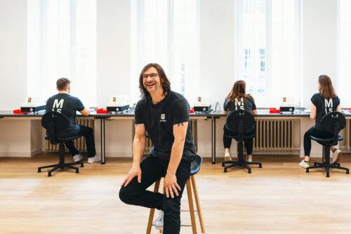 Ausbau in NRW: Mister Spex eröffnet Ausbildungslehrwerkstatt in Münster