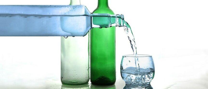 """Mister Spex spendet über 50 Trinkflaschen an die gemeinnützige Einrichtung """"Mitten im Kiez"""""""
